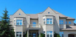 Projekty domów parterowych w kształcie litery I - jak wybrać najlepszy?